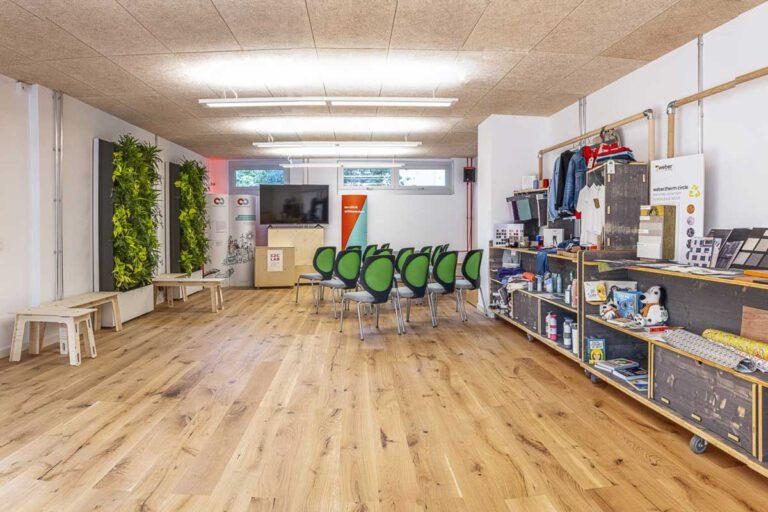 Showroom im C2C LAB: Raum für das angewandte Kreislaufdenken. Foto: C2C NGO