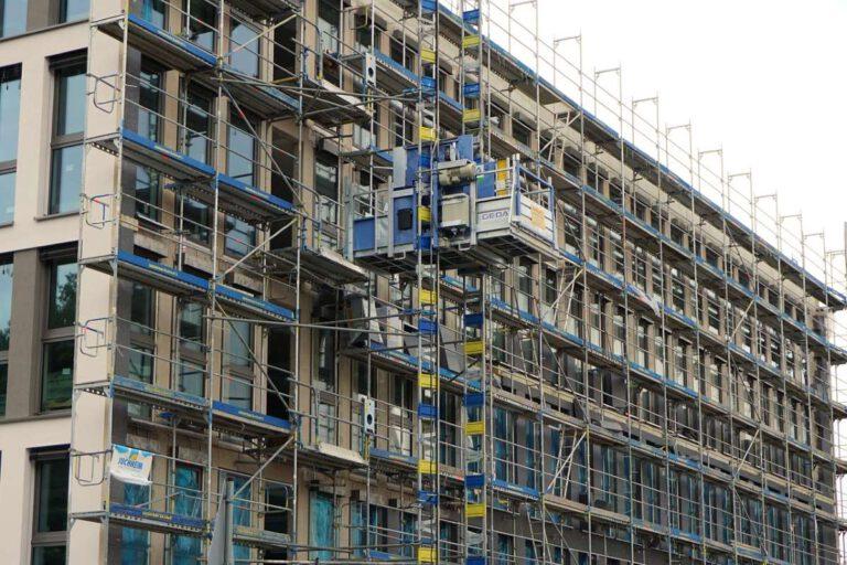 Um die Modernisierungsrate deutlich zu steigern, fordert die Gebäudeallianz ergänzend zum bestehenden Instrumentenmix energetische Mindeststandards für die schlechtesten Bestandsgebäude. Foto: Andreas Lischka auf Pixabay