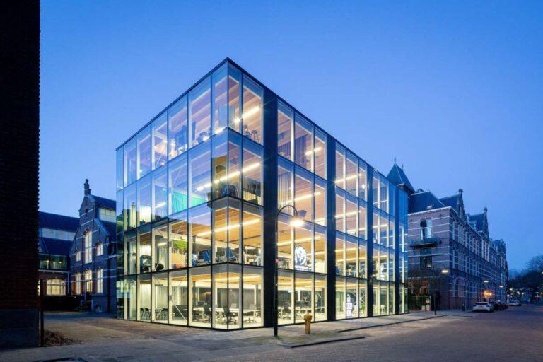 """Das """"Building D(emountable)"""" im niederländischen Delft ist rückstandsfrei abbaubar. Foto: © Lucas van der Wee, cepezed"""