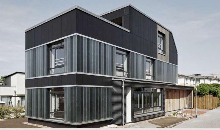 """Ein konkretes und sehr beeindruckendes Beispiel für den umfassenden Einsatz sekundärer Baustoffe ist das """"Recyclinghaus"""" von cityförster architecture+urbanism in Hannover. Foto: © cityförster architecture+urbanism"""