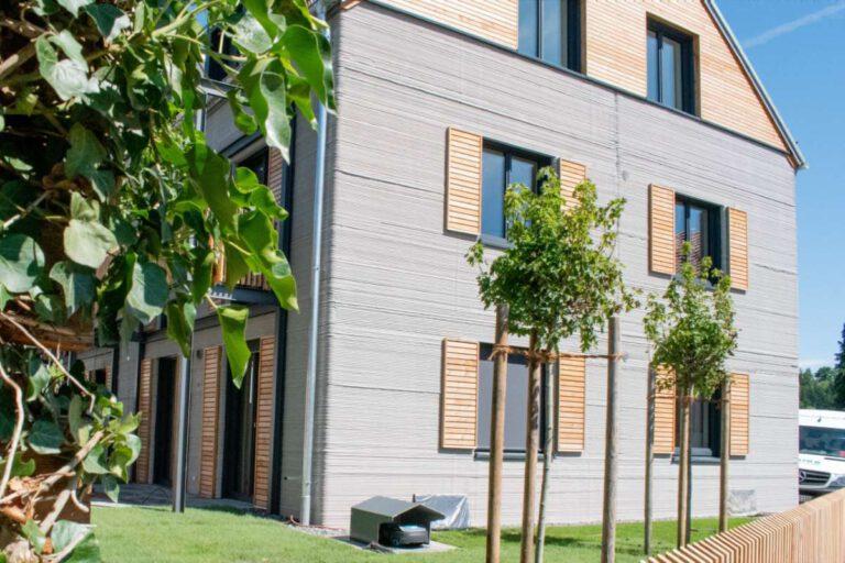 Im nordrhein-westfälischen Beckum steht Europas erstes Mehrfamilienhaus, das mit der 3D-Drucktechnik errichtet wurde. Foto: Michael Rupp Bauunternehmung GmbH