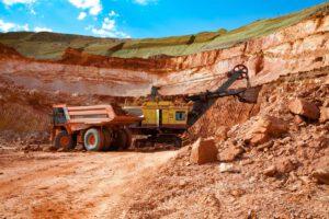 Belterra-Lehm ist die dicke Tonschicht, die beim Bauxit-Abbau als Abraumprodukt anfällt. Foto: Alexey Rezvykh/Shutterstock