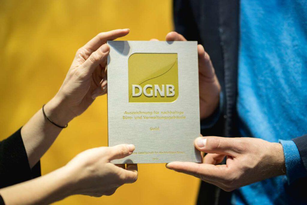Die DGNB vergibt Zertifikate in Platin, Gold, Silber und Bronze | Quelle: DGNB