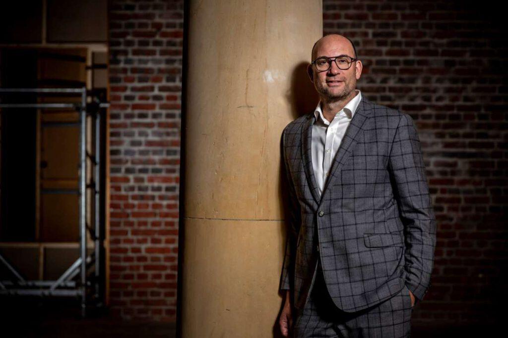Seit September 2021 Leiter der Bundesstiftung Bauakademie: Guido Spars. Foto © Stephanie von Becker / Bundesstiftung Bauakademie